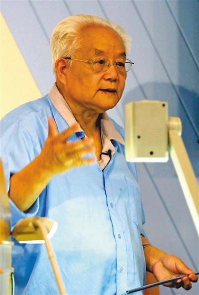 数学家吴文俊逝世 数学人生=爱创新+不盲从+淡名利